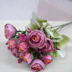 Букет ранункулюс с добавкой - розовый