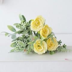 Букет розочки с зеленью - желтый