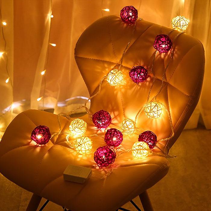 "Гирлянда ротанговые шары ""Фиолетовые + белые"", 10 ламп, 1,5 м. на батарейках"