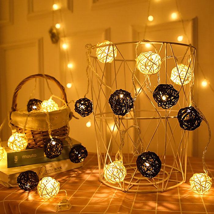 """Гирлянда ротанговые шары """"Коричневые + белые"""", 40 ламп, 6 м. на батарейках"""