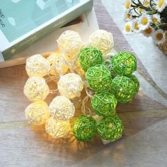 """Гірлянда ротангові кулі """"Зелені + білі"""", 20 ламп, 3 м. на батарейках"""