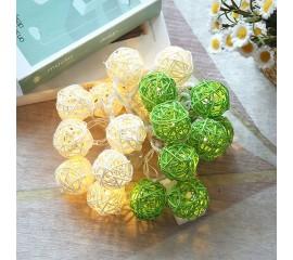 """Гирлянда ротанговые шары """"Зеленые + белые"""", 10 ламп, 1,5 м. на батарейках"""