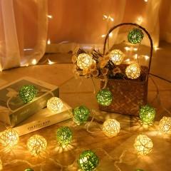 """Гірлянда ротангові кулі """"Зелені + білі"""", 40 ламп, 6 м. на батарейках"""