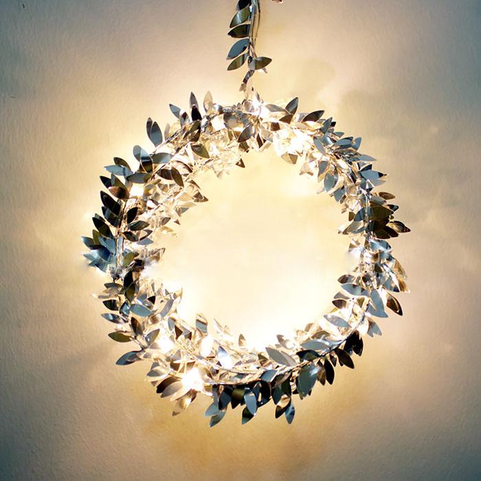 Гирлянда с серебряными листиками 50 ламп 5 метров