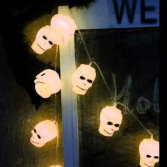"""Гирлянда на Хэллоуин """"Черепа белые"""", 3 м. 20 led, теплый белый, на батарейках"""