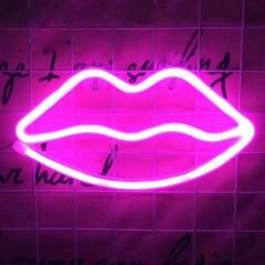 """Настенный LED декор """"Неоновые губы розовые"""", батарейки / USB"""