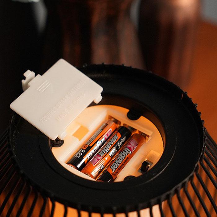 Металлический подсвечник со светодиодной, мерцающей свечей, 15 см.
