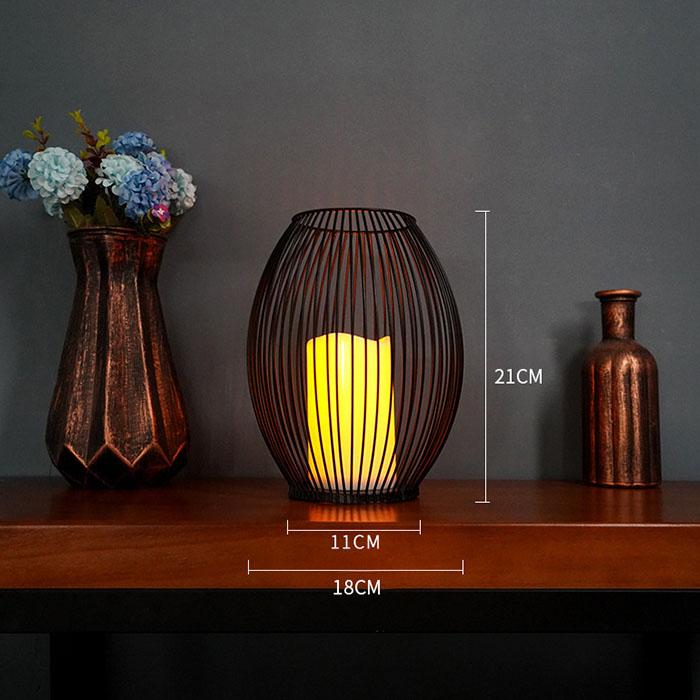 Металлический подсвечник со светодиодной, мерцающей свечей, 21 см.