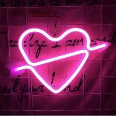 "Настенный LED декор ""Неоновое сердце со стрелой"", батарейки/USB"