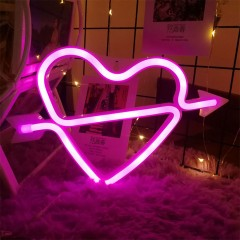 "Настенный LED декор ""Неоновое сердце со стрелой"", батарейки / USB"