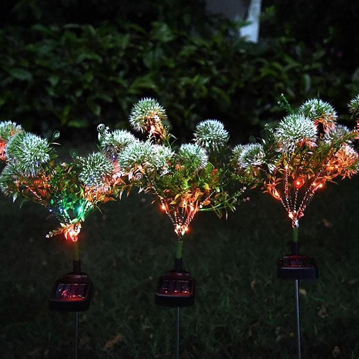 """Газонный декор """"Гвоздики белые"""" с подсветкой, на солнечной батарее"""