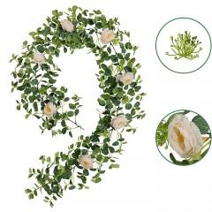 Лиана эвкалипт с розовыми розами