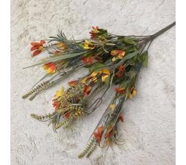 Букет зелень с оранжевыми цветочками