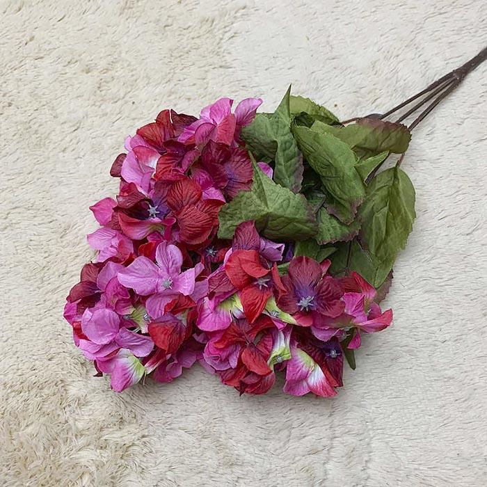 Букет гортензия малиновая