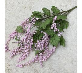 Декоративный букет с ягодами розовый