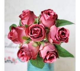 """Букет связка """"Розы в бутоне"""" 25 см - темно-розовые"""
