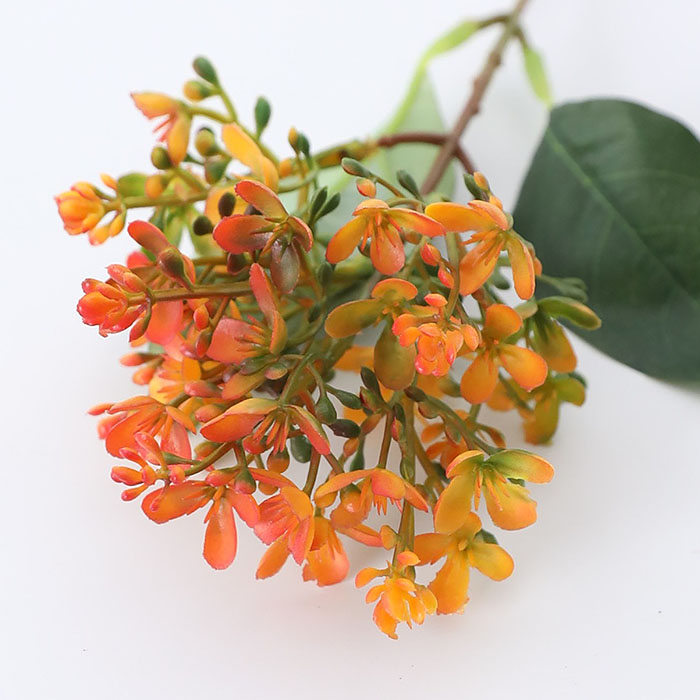 Веточка сирени оранжевая