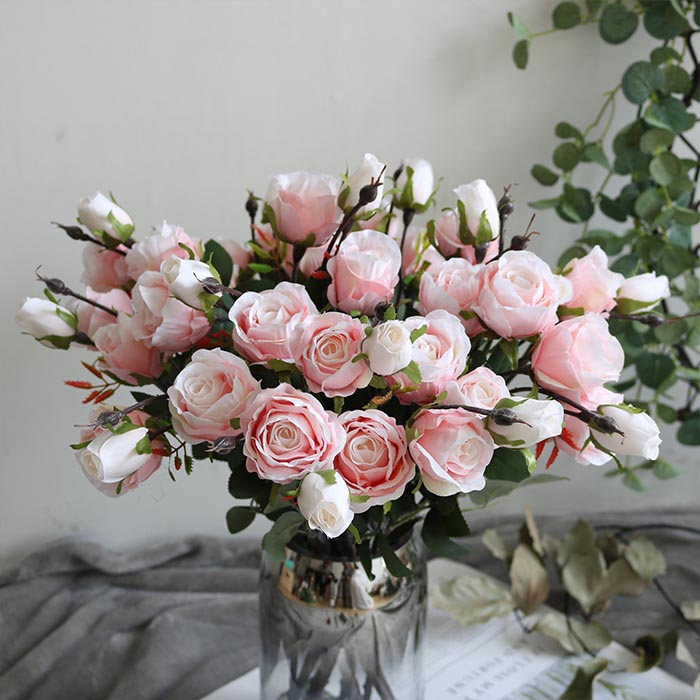 Ветка бутон розы нежно-розовая 45 см