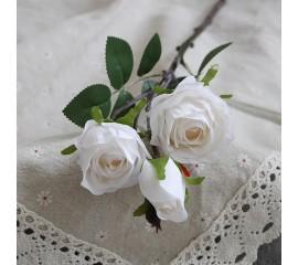 Ветка бутон розы белая 45 см