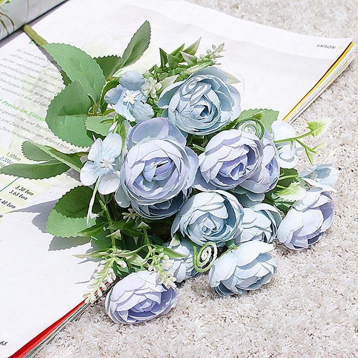 Букет ранункулюс пастель - голубой