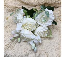 Букет роз с омелой белый