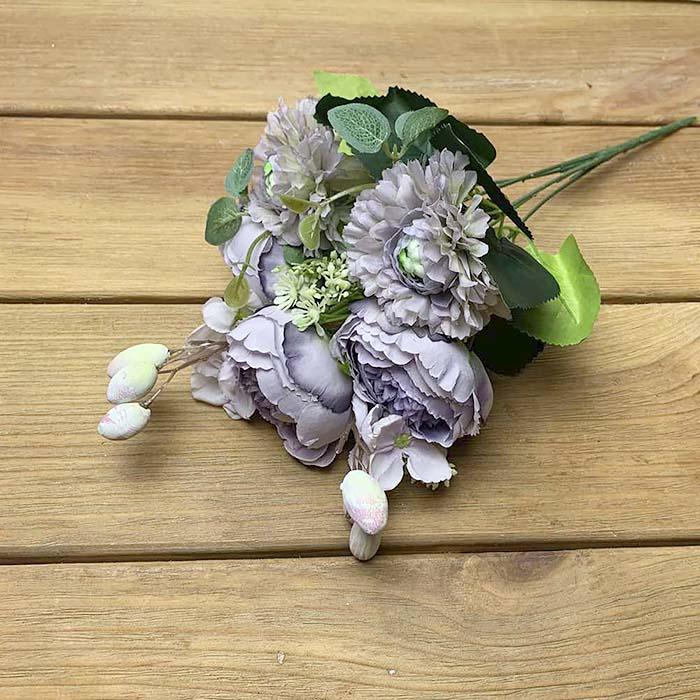 Букет роз с омелой сиреневый