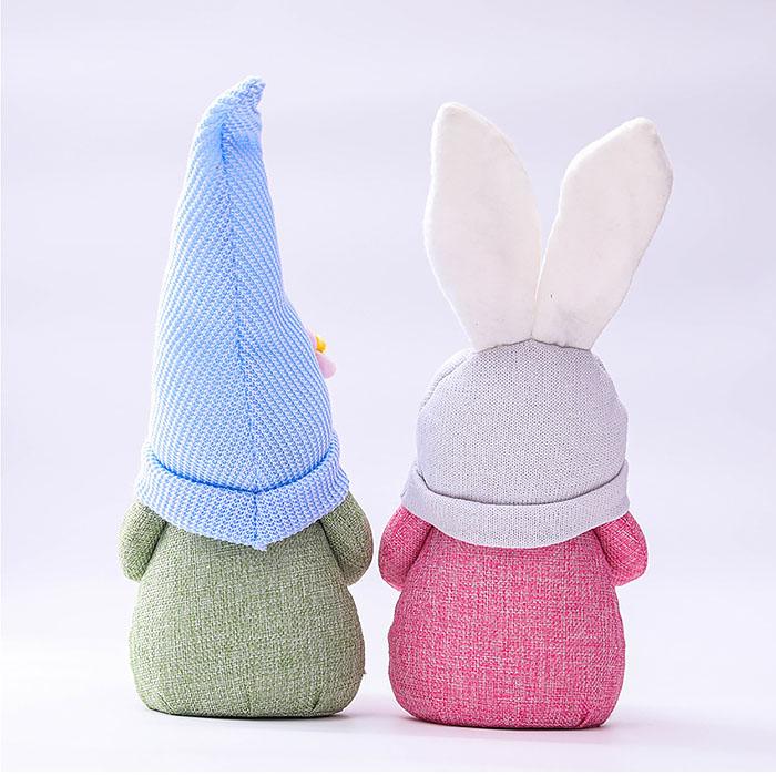 """Мягкая игрушка """"Гномик с яйцом"""" в голубой шапке"""