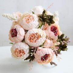 Букет пионы персиковые с розовой серединкой