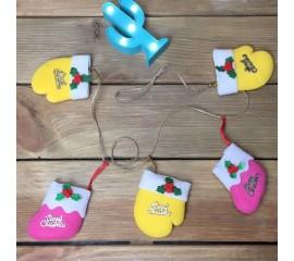 """Гирлянда """"Новогодние носочки и рукавички"""""""