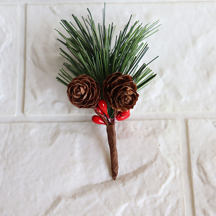 Мини веточка сосны с ягодками и шишками 8 см