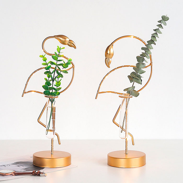 "Декорация с подсветкой ""Фламинго с вазой"" 35 см"