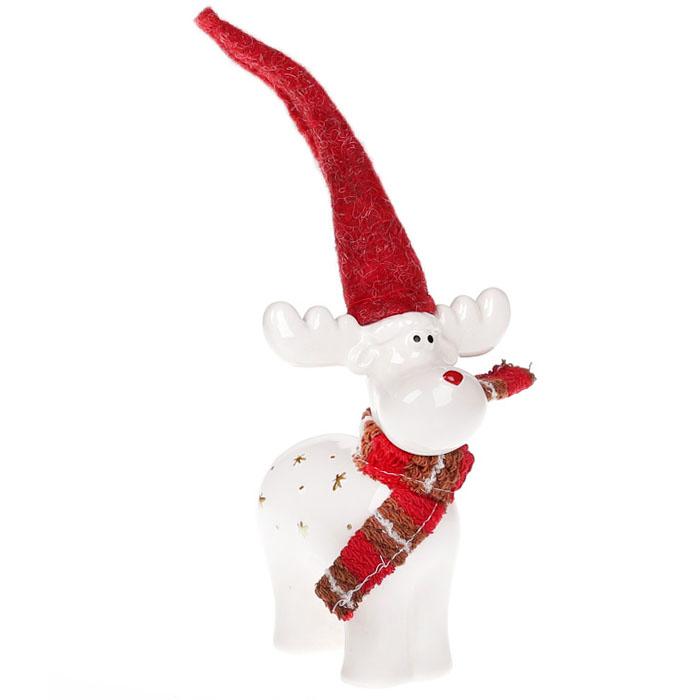 Керамический олень в шапке и шарфике 16 см