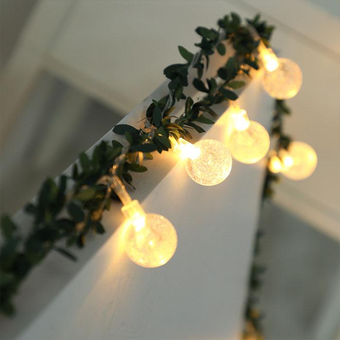 Гирлянда с листиками и шариками 50 ламп 7,5 м. - usb