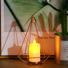 Скандинавский подсвечник  со светодиодной свечей
