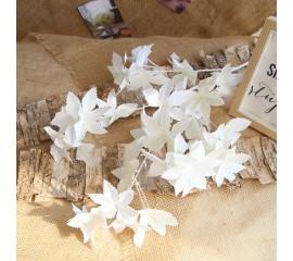 Ветка лист клена премиум - белая