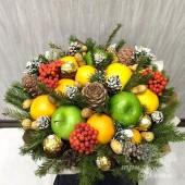 Декоративные цветы как элемент новогоднего декора